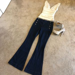 HP💥EXPRESS Mid Rise Bell Flare Leg Jeans. Size 10